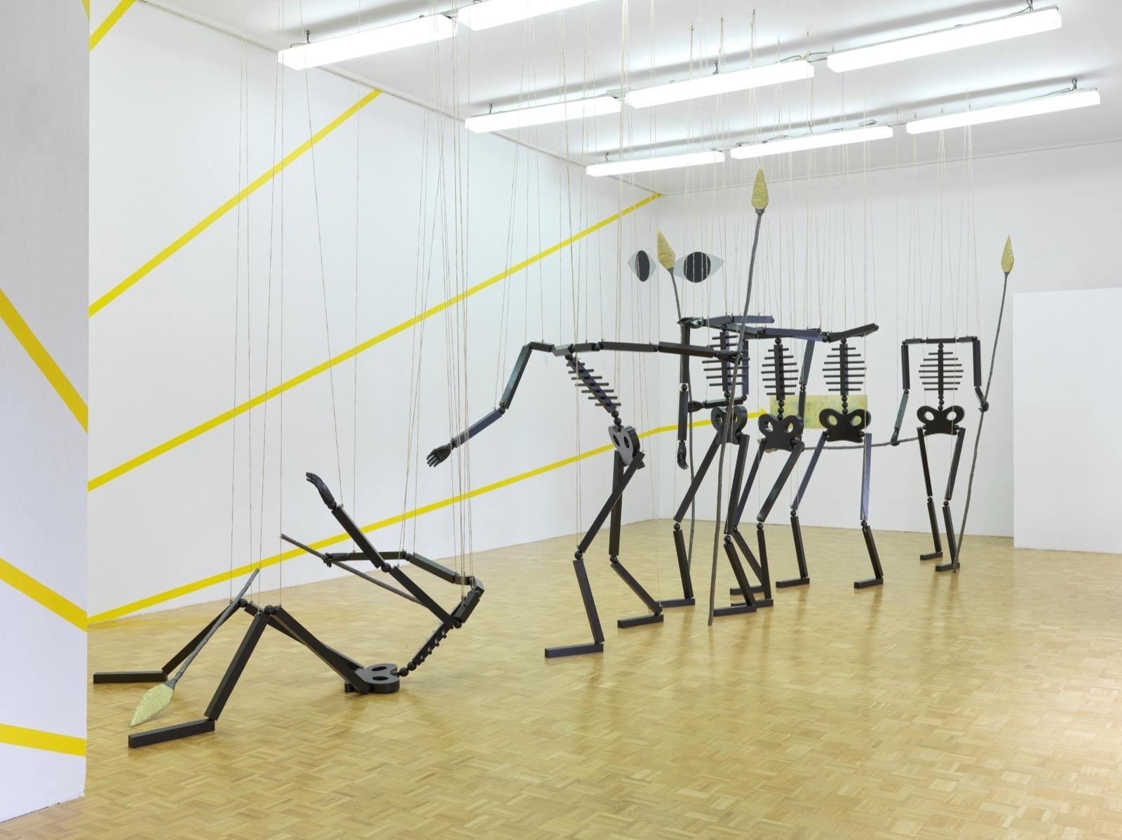 Honza Zamojski, Zbiranje in srečevanje (2019), 33. grafični bienale Ljubljana, Vice v lisice, 2019, postavitev razstave v Projektnem prostoru DUM.